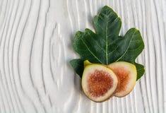 Skivade fikonträd och ny blad-svart Genua gen Fotografering för Bildbyråer