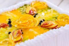 Skivade frukter i gelé Arkivfoton