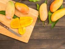 Skivade mango Royaltyfria Bilder