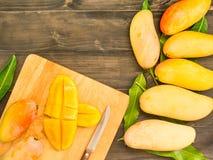 Skivade mango Royaltyfri Foto