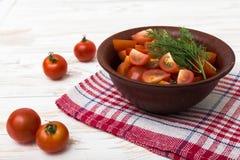 Skivade nya tomater Royaltyfri Bild