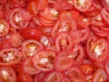 Skivade saftiga tomater Fotografering för Bildbyråer
