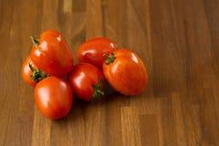 skivar tomater högg av tomater Sund mat för nya tomater Royaltyfri Foto
