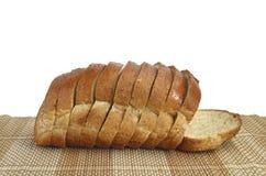 Skivat bröd för helt vete Arkivbild