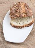 Skivat bröd på säckväv Royaltyfri Bild