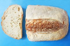 Skivat bröd släntrar lekmanna- sikt för falt Royaltyfria Foton