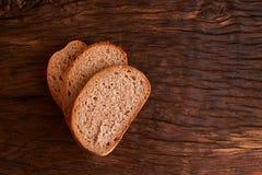 Skivat nytt hemlagat bröd chip Bröd på surdeg Osyrat bröd dietary bröd royaltyfria bilder