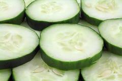skivat organiskt för gurkor Arkivbilder