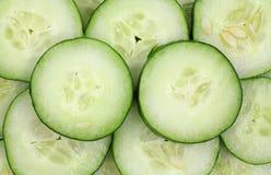 skivat organiskt för gurkor Royaltyfria Bilder