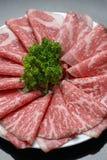 Skivat rått nötkött Arkivbild