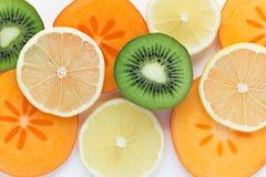 Skivor av färgrik ny frukt Arkivbild