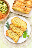 Skivor av fuktigt bröd för grönsak royaltyfria bilder