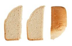 Skivor av hemlagat bröd Royaltyfria Bilder