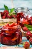 Skivor av röda jordgubbar Arkivfoton