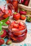 Skivor av röda jordgubbar Royaltyfria Bilder