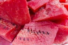 Skivor av vattenmelon i en stam royaltyfri foto