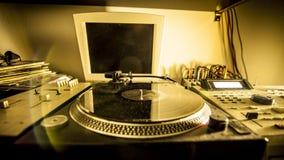Skivtallrik i hem- inspelningstudio Arkivbilder