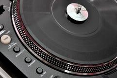 Skivtallrik på dj-musikdäck Arkivfoton