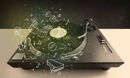 Skivtallrik som spelar klassisk musik med symbol drog instrument Royaltyfri Fotografi