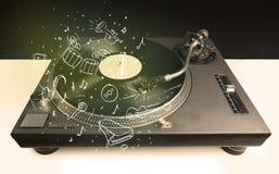 Skivtallrik som spelar klassisk musik med symbol drog instrument Royaltyfri Bild
