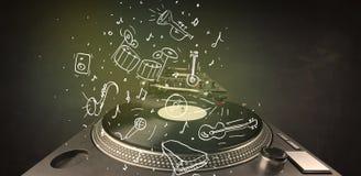 Skivtallrik som spelar klassisk musik med symbol drog instrument Arkivbild