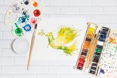 Skizze der Grün-Taube und der Farben Stockfoto