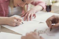 Skizzieren und Zeichnen lizenzfreies stockfoto