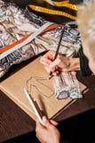 Skizziert Modedesigner Stockbilder