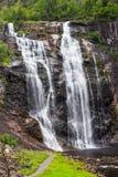 Skjervsfossen瀑布在霍达兰,挪威 免版税库存图片