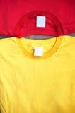 skjortor t två arkivbild