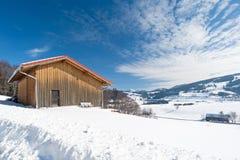 Skjul i vintern Fotografering för Bildbyråer