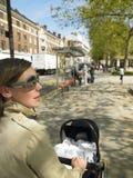 skjuta för barnvagnmoder Fotografering för Bildbyråer
