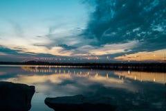 skjuten solnedgångtid för exponering long arkivfoton