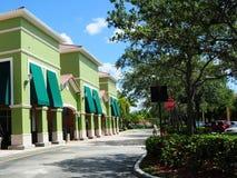 Sklep detaliczny & parking, Południowy Floryda obraz royalty free