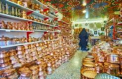 Sklep miedziany cookware, Kerman, Iran fotografia royalty free