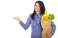 sklep spożywczy robią prezentaci kobiety Fotografia Stock
