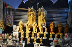 SKLEPOWI sprzedawań bóstwa władyka MURUGAN W BATU ZAWALAJĄ SIĘ zdjęcia stock