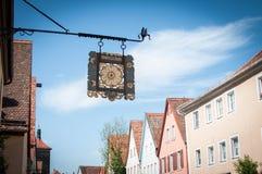 Sklepowy podpisuje wewnątrz wiejskiego Niemieckiego miasteczko Obrazy Royalty Free