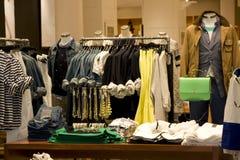 Moda sklep odzieżowy zdjęcia stock