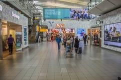 Sklepy Przy Schiphol lotniskiem Za bramami Przy holandiami 2016 obraz royalty free