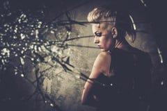 Skołatany punkowy nastolatek fotografia royalty free