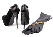 Sko med smycken och doft Royaltyfria Bilder