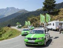 Skoda-Caravan in de Bergen van de Pyreneeën - Ronde van Frankrijk 2015 Stock Foto's