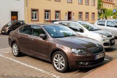 Skoda Octavia parkujący w Niemieckim mieście Fotografia Royalty Free