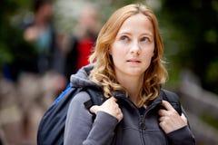 skog förlorad kvinna Fotografering för Bildbyråer