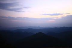 Skog och berg Arkivfoton