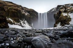 Skogafoss在冬天在冰岛 图库摄影