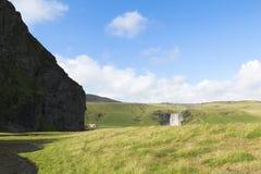 Skogafoss瀑布冰岛在夏天 免版税库存图片