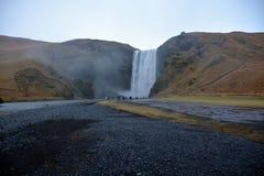 Skogafoss vattenfall i söderna av Island Arkivfoto