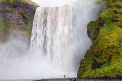 Skogarfoss瀑布,冰岛 库存图片